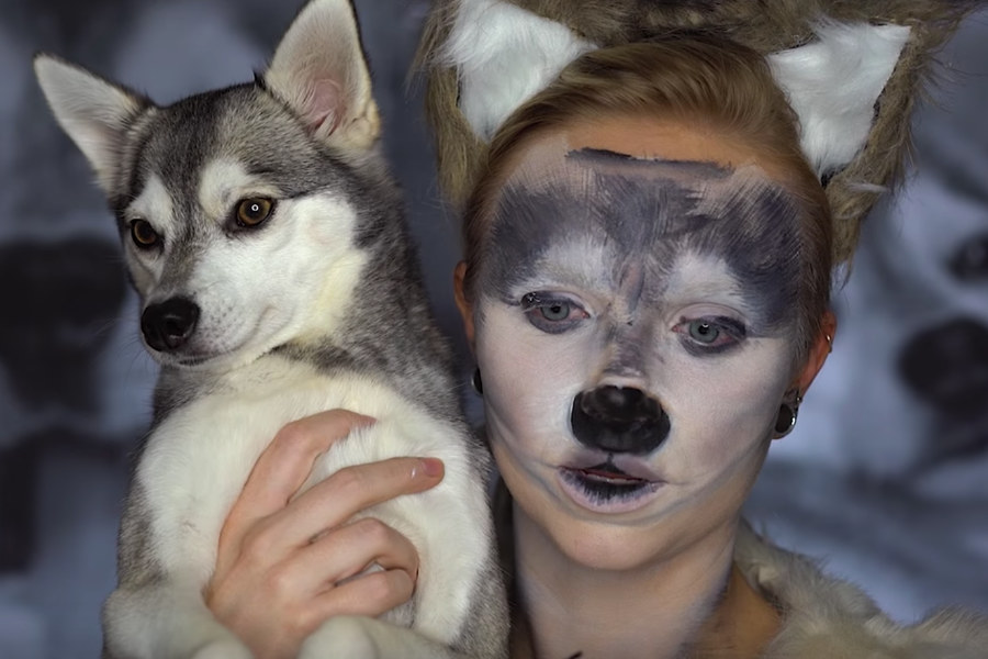 Mykie and her Alaskan Klee Kai Ripley (Photo: @mykie / Instagram)