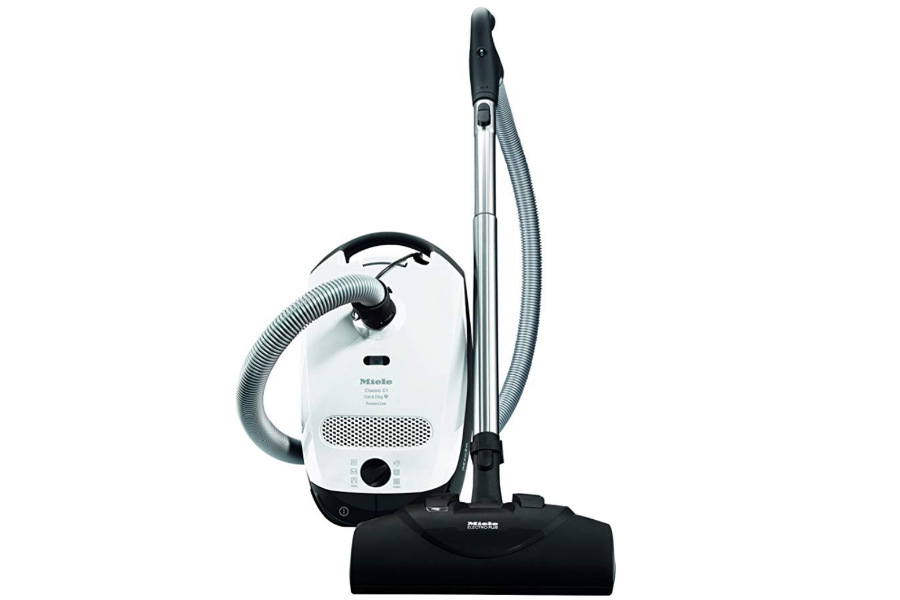 Miele Classic C1 Cat & Dog Canister Vacuum (Photo: Miele / Amazon)